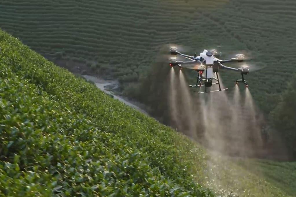 Agras T20 Spraying